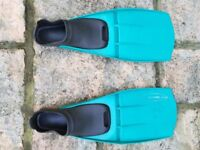 Size 6-7 flippers