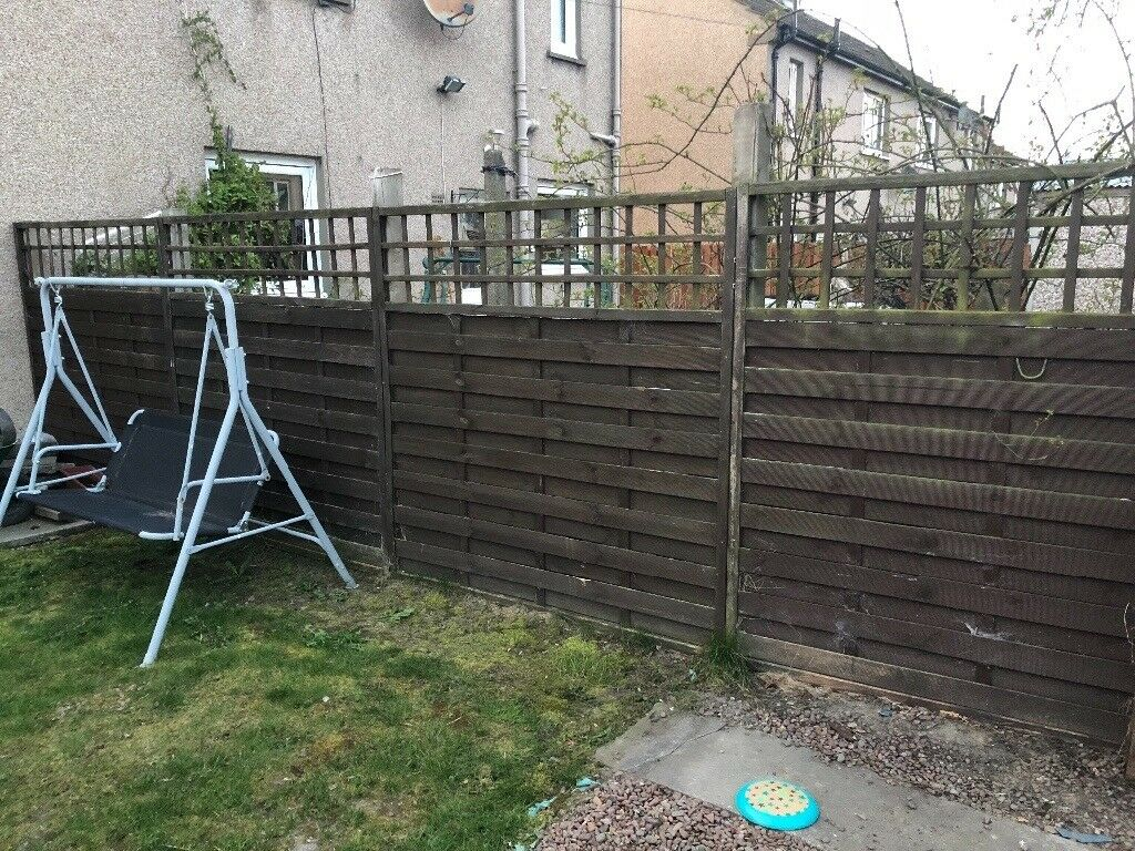 Wooden fence 4 panels