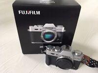 Fujifilm XT-10 Mirrorless Digital Camera - BODY ONLY - MINT CONDITION