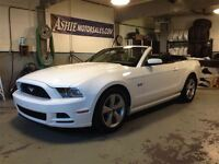 2013 Ford Mustang GT CONVERTIBLE! MANUAL!