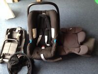 Britax romer baby car seat with isofix base. 0 to 13kg