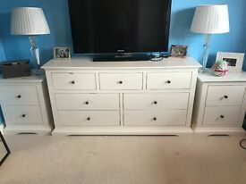 DREAMS BEDROOM OFF WHITE FURNITURE SET