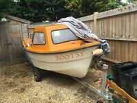 BOAT 15 FT WITH SMALL CUDDY CABIN JOHNSON 8 HP ENGINE & TRAILER