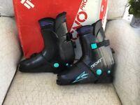 Tecno ski boots