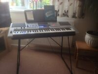 Yamaha PSR E403 electronic keyboard