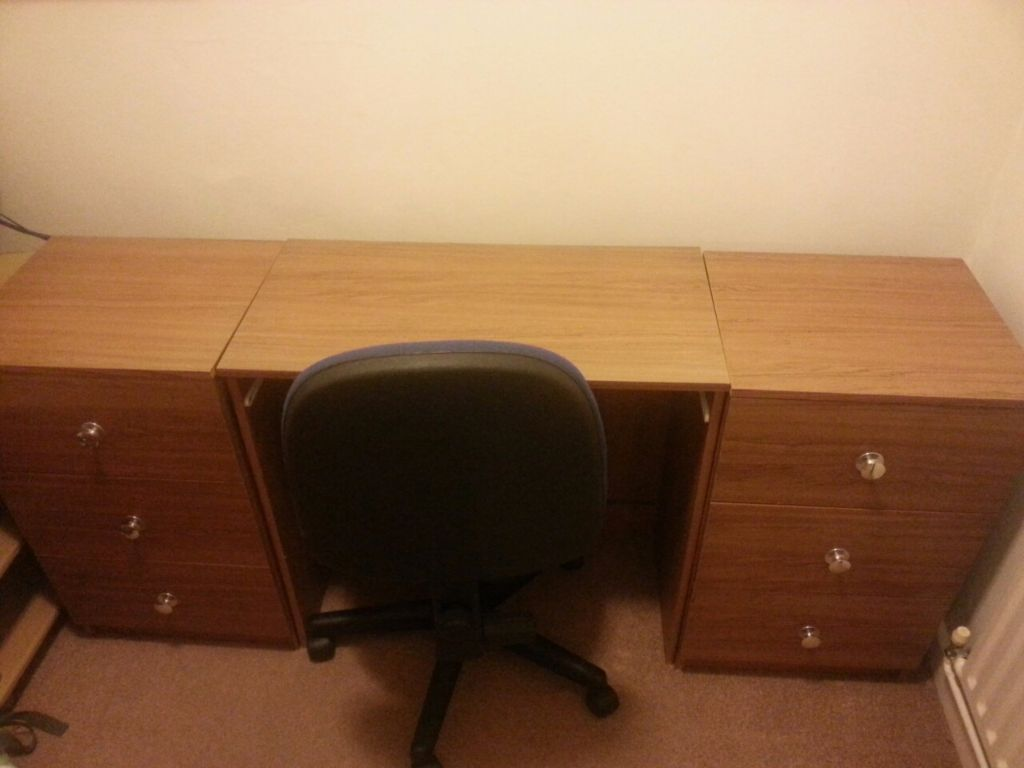 Used Furniture Cheap Prices Clearing Out Asap Office Duvets And Others Can Be Sold