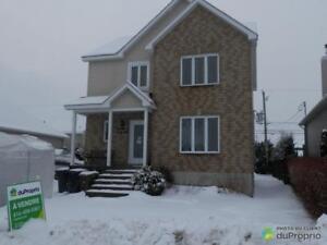 339 900$ - Maison 2 étages à vendre à Ste-Marthe-Sur-Le-Lac
