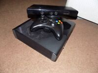 XBOX 360 E (SPECIAL EDITION) + TWO CONTROLLERS + KINECT 320 gb