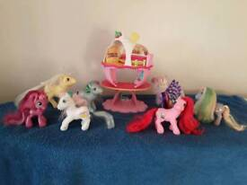My little pony ice cream fairground including many accessories and ponies