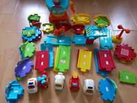 Toot Toot Drivers airport set + extra road tracks + 5 light up& sounds vehicles