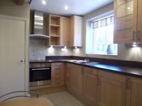 2 DOUBLE BEDROOM DETACHED LISTED COTTAGE TO RENT, 800m (0.5 miles) from Shenfield Station and centre