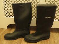 Men's Dunlop black wellies/Wellington boots, size 11, new
