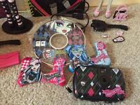 Monster High Bundle inc 2 figures & digital camera – VGC