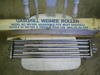 WEINER ROLLER FOR GAS GRILL