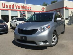 2014 Toyota Sienna FWD - 3 ZONE CLIMATE CONTROL /