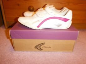 Clarks Viola Teen Jnr Trainers Size 1F Good Condition With Box