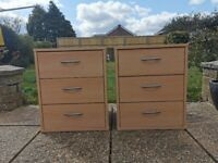 Small chest of drawers/bedside unit