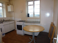 Spacious 2 bedroom flat available in Stepney Green/Limehouse, E1.