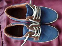 MEN's CASUAL FOOTWEAR SIZE 9