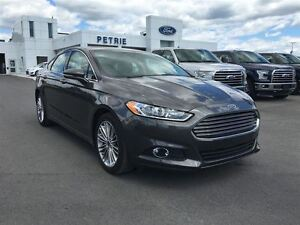 2016 Ford Fusion SE - AWD, NAV, Heated Leather