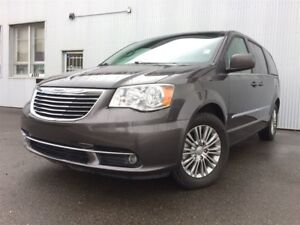 2015 Chrysler Town & Country Touring, LEATHER, BACKUP CAM, BLUET