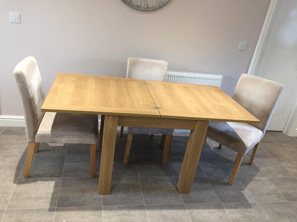 Next Malvern 4 6 Seater Extendable Dining Table with 4  : 86 from www.gumtree.com size 1024 x 768 jpeg 61kB