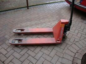 Pallet Truck (used)