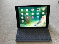 iPad Pro 9.7 32gb wifi with apple keyboard excl.