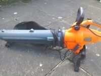 Challenge Xtreme 2400W leaf blower in good used condition