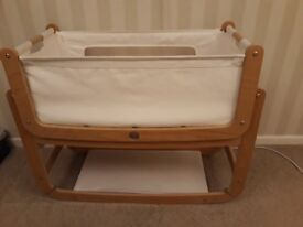 3 in 1 Snuzpod 2 in very good condition. Plus mattress and mattress sheets/protectors