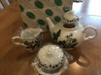 Christmas portmerion tea pot set boxed unused