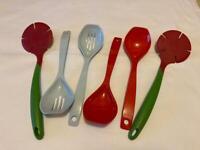 6 x kitchen utensils