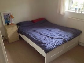 Lovely double room in friendly Headington house