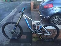 Giant glory Downhill bike dh fox 40 etc
