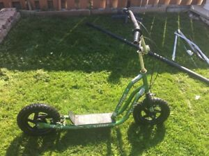 Selling 2 bike's and 1 scooter  for 100$