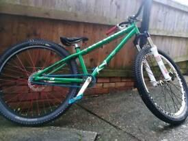 Saracen amplitude cr3 jump bike
