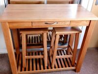 Oak Breakfast Bar Console and 2 Stools - Really Nice Condition