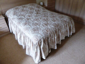 King-size quilted bedcover