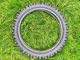 Dunlop D952 100/90-19 Tire