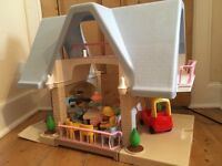 Huge Dolls House Little Tikes girl boy baby toddler figures furniture car family