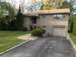 CHARMING 3 BDRM IN AMAZING LOCATION! 106 Dickens Dr Kingston Kingston Area image 1
