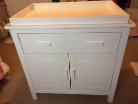 Mothercare Jamestown Baby Changing Table (White) RRP£250