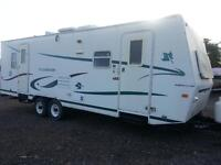 2001 WILDERNESS 28FT WITH A POWERD SLIDE OUT IN GOOD CONDITION