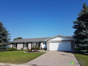 $595,000 - Bungalow for sale in Wiarton