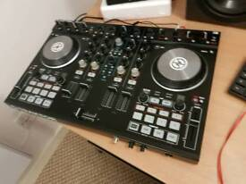 Traktor s4 mk2 for sale boxed with all cables