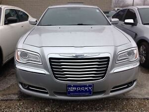 2012 Chrysler 300 Touring $76.14 A WEEK + TAX OAC - BAD CREDIT A Windsor Region Ontario image 6