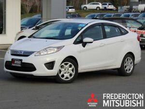 2013 Ford Fiesta SE! AUTO! HEATED SEATS! ONLY 8,100 KM!!
