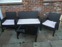 4 piece ratten garden furniture with cushions
