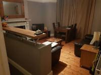 En suite bedroom to rent in two bed flat in Bishopston