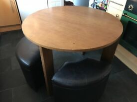 Round dining table with 4 stools with storage